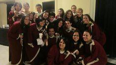 El coro junto a nuestra querida Teresita Bejarano.