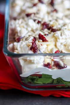 Przekładana sałatka z pomidorów i szpinaku ⋆ M&M COOKING Kale Caesar Salad, Diet Recipes, Healthy Recipes, Mozzarella, Love Food, Grilling, Food And Drink, Easy Meals, Vegetables