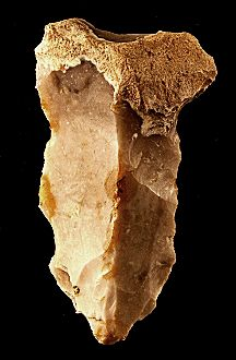 Mesolithic flint tools Stone Age People, Stone Age Man, Stone Age Tools, Native American Tools, Native American Artifacts, Ancient Egyptian Art, Ancient Aliens, Ancient Greece, Indian Artifacts