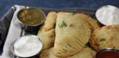 How to Make Empanadas: These Ground Beef Empanadas are made with a ketogenic and low carb fathead dough then filled with flavorful ground beef. Low Carb Recipes, Diet Recipes, Cooking Recipes, Healthy Recipes, Recipies, Diabetic Recipes, Beef Empanadas, Empanadas Recipe, Cooking Sheet