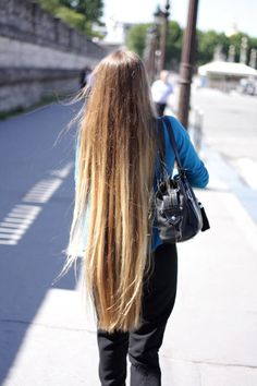 my hair looks like this :( just shorter :( Rapunzel, Relaxed Hair, Beautiful Long Hair, Gorgeous Hair, Wow Hair Products, Natural Hair Styles, Short Hair Styles, Super Long Hair, Long Locks
