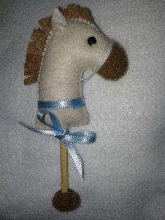 Cavalinho de Pau -  Feltro