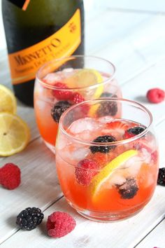 Mixed Berry Lemonade Sparkling Sangria is the perfect summertime party drink! | DoughMessTic.com mymionetto AD (for ages 21+)