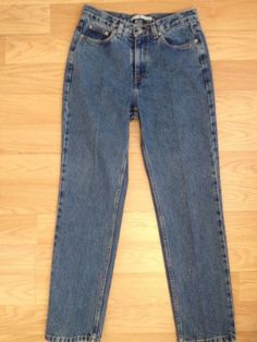 Tommy Hilfiger womens jeans sz 8R- 32 Perfect T!!