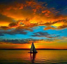 Sailing at Sunset Amazing Sunsets, Amazing Nature, Pretty Pictures, Cool Photos, Landscape Photography, Nature Photography, Beautiful Sunrise, Belle Photo, Beautiful Landscapes