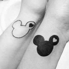 Mignon : des amoureux se sont fait tatouer des personnages de Disney !