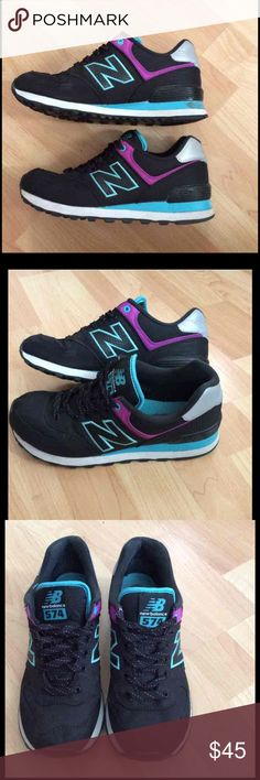 New balance 574 In good conditions didn't wear much New Balance Shoes Athletic Shoes