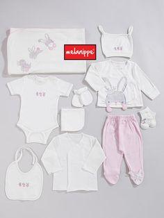 Bakımdayız, Yenileniyoruz... Baby Outfits Newborn, Baby Boy Newborn, Baby Boy Outfits, Cute Little Baby, Mom And Baby, Baby Kids, Baby Girl Fashion, Kids Fashion, Baby Sewing Tutorials