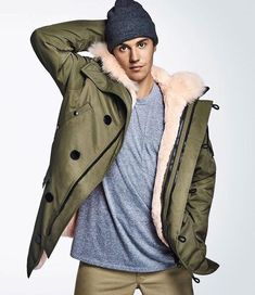 Photo of Justin Bieber for T-Moblie's new campaign. Justin Bieber Fotos, Justin Bieber Selena Gomez, I Love Justin Bieber, Justin Green, Scooter Braun, Justin Bieber Wallpaper, Outfits Hombre, Celebs, Ideas