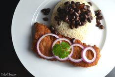 Bistec empanizado is a deliciously satisfying Cuban version of chicken fried steak, featuring a tangy marinade and a crunchy cracker crumb coating. Cuban Recipes, Beef Recipes, Baking Recipes, Cookie Recipes, Dessert Recipes, Recipes Dinner, Yummy Recipes, Breaded Steak, Chicken Fried Steak
