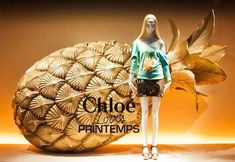 Window-display-photography-in-Paris-Chloe-at-printemps.jpg
