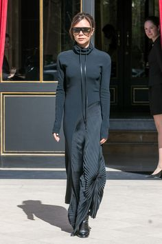 Victoria Beckham wearing all black outfit