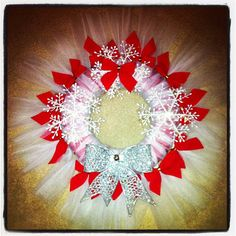 Red and White Christmas Holiday Snowflake Tulle Wreath