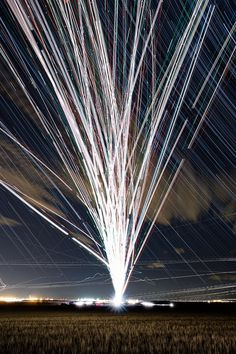 Time-Lapse Photographs Capture Swarms of Airplane Lights as They Streak Across the Night Sky (Colossal) Time Lapse Photography, Photography Camera, Photography Tutorials, Photography Ideas, Airplane Lights, Air Festival, Light Trails, Artistic Installation, Colossal Art