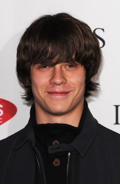 Jake Bugg, wait you mean he's smiling???? Smiling??????