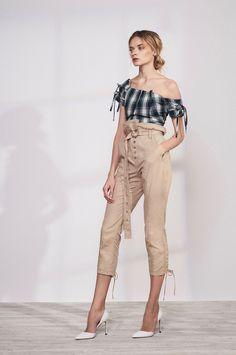 Marissa Webb Resort 2018 Fashion Show Collection Vogue Fashion, Fashion 2018, Runway Fashion, High Fashion, Fashion Trends, Chic Outfits, Fashion Outfits, Fashion Show Collection, Passion For Fashion