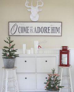 Happy Saturday!  Here's another Christmas sign in the shop styled in the beautiful home of @lemonademakinmama   Remember to use coupon code CHRISTMAS15 on your order!!