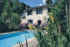 Komfortables Ferienhaus bei Concarneau in der Bretagne. Sie mieten direkt beim deutschen Besitzer. Landlust, Meernähe, Pool mit Hund. Für Genießer.