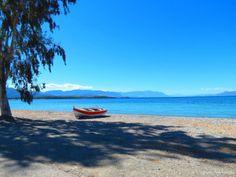 Kavos - long sandy shallow beach near Lichadonisia; beach in Evia, Central Greece Top 5, Destinations, Big Island, Long Beach, Athens, Greece, Places To Go, Boat, Landscape