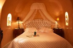 The fantastic Sunset Honeymoon Suite at #Oia_Castle in #Santorini is the ideal place to enjoy your love!