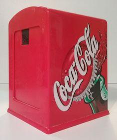 /Portals/0/_extension/Imagenes/Colecciones/ObjetosMerchandising/Coca-Cola Edición Original/Publicidad Bares y Restaurantes/undefined/Coca-Cola/Coca-Cola servilletero 001.jpg