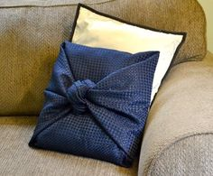 25 Incredible DIY Throw Pillows