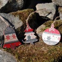 Snowflake Christmas Decorations - Set of 3 Holiday Tree, Christmas Baubles, Red Christmas, Christmas Decorations, Holiday Decor, Mary And Jesus, Hanging Signs, Hanging Ornaments, Creative Decor