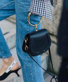 """L'anneau doré, la nouvelle anse des """"it"""" bags (sac Chloé - photo Linda Tol)"""