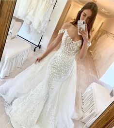 "LAZARO on Instagram: ""Wedding gown GOALS😍 Would you say YES to the #OliviaGown?🙌 #lazarobridal #lazaro #jlmcouture"" Lazaro Wedding Dress, Lazaro Bridal, Bridal Gowns, Wedding Gowns, Sexy Dresses, Dresses With Sleeves, Yes To The Dress, Mermaid Dresses, Dream Dress"