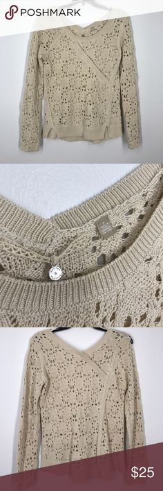 Anthropologie knitted and knotted tan sweater S Beautiful loose knit pull over sweater. Tan color. Like new! Anthropologie Sweaters
