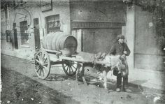 Robert Chambers of Walham Green outside his yard, 1900 (b/w photo) Vintage London, Old London, History Images, Art History, London History, Fulham, London Photos, Cannon, Old Photos