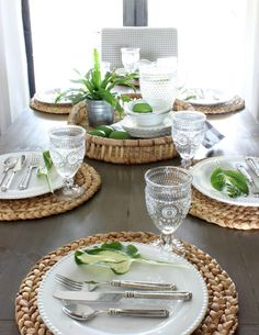 Feature Friday: Hymns and Verses - Southern Hospitality Blue Table Settings, Table Set Up, Futuristic Furniture, Dining Room Sets, Deco Table, Decoration Table, Dinner Table, Dinnerware, 2017 Summer