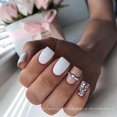 Nail art Christmas - the festive spirit on the nails. Over 70 creative ideas and tutorials - My Nails Pastel Nails, Cute Acrylic Nails, Acrylic Nail Designs, Acrylic Toes, Nail Designs Pictures, Cute Nail Designs, Gold Nail Designs, Elegant Nail Designs, Silver Glitter Nails