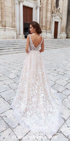 Elena Vasylkova Wedding Dresses 2018 My new favorite wedding gown. I love the lace and the low v back. Very classyMy new favorite wedding gown. I love the lace and the low v back. Very classy Cute Wedding Dress, Wedding Dresses 2018, Wedding Dress Trends, Bridal Dresses, Girls Dresses, Wedding Ideas, Wedding Hacks, Dresses Dresses, Gown Wedding