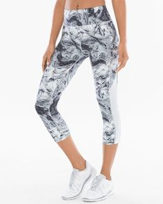 Style meets utility in sport crop leggings with breathable mesh panels on the sides so you are ready to play all day.