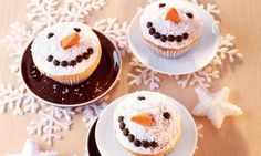 Sweet little lemon muffins with winter decoration for young and old - Delicious Meets Healthy: Quick and Healthy Wholesome Recipes Snowman Cupcakes, Holiday Cupcakes, Ladybug Cupcakes, Kitty Cupcakes, Giant Cupcakes, Cupcake Tray, Cupcake Cakes, Cup Cakes, Coconut Icing
