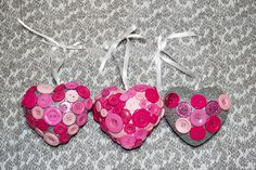 How to Make Button Heart Decorations #ValentinesCraft #ButtonHearts