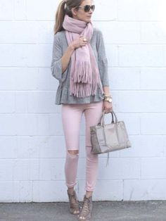 9 Pink Spring Outfit Ideas, SPRİNG OUTFİTS, spring outfit: pink denim with gray ruffle hem Gibson top and lace up booties. Pink Jeans Outfit, Valentine's Day Outfit, Pink Outfits, Mode Outfits, Casual Outfits, Fashion Outfits, Pink Pants, Pink Top Outfit, Vetement Hippie Chic
