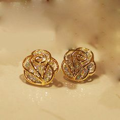 Die Mode Strass Camellia Ohrringe Ohrstecker The Fashion Rhinestone Camellia Earrings Studs Diamond Studs, Diamond Jewelry, Gold Jewelry, Diamond Earrings, Gold Earings Studs, Diamond Stud Earrings, Earring Studs, Rhinestone Earrings, Ear Studs