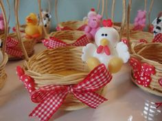 biscuit fazendinha rosa - Pesquisa Google Barnyard Party, Pig Party, Farm Party, Farm Birthday, Baby First Birthday, Farm Cake, Pony Rides, Baby Nursery Decor, Jar Gifts