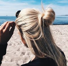 beach styles for 2017 summer | hairstyles | messy | natural | simple | long hair | half up half down | bun | knot