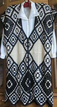I like this but it would be more modern with a different top under it!