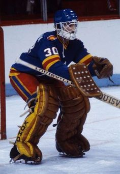Hockey Goalie, Hockey Games, Goalie Mask, New Jersey Devils, St Louis Blues, Vancouver Canucks, Colorado Rockies, National Hockey League, Sports Pictures