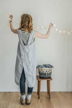 Love the simplicity and longer length of this apron.