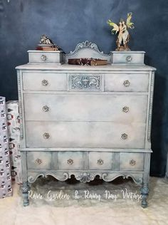 Shabby Chic Decor styling to check now, must read article number 8062430726 Inexpensive Furniture, Cheap Furniture, Shabby Chic Furniture, Vintage Furniture, Furniture Ideas, Furniture Websites, Furniture Removal, Furniture Redo, Furniture Stores