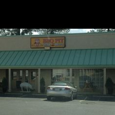 The best pulled pork I have found around Charlotte. Q2U is in Lake Wylie, SC just past the Buster Boyd Bridge.
