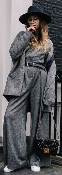 The term groutfit comes from a fusion of the words gray and outfit. Figuring out just what to wear with grey outfits can be tricky but all you need is a little inspiration! Casual Outfits, Cute Outfits, Fashion Outfits, Fashion Trends, Grey Fashion, Womens Fashion, Fashion Design, Style Fashion, Grey Outfit