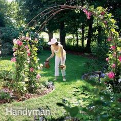 Build a Garden Archway. how to bend the arches and attach the decorative circles with wire. When you're done, cover it with climbing plants for an attractive addition to your garden. Garden Arch Trellis, Garden Archway, Garden Arbor, Diy Garden, Dream Garden, Garden Projects, Garden Landscaping, Outdoor Projects, Diy Projects