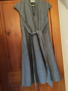 Hobbs grey linen short-sleeved dress Condition is Used. Dispatched with Royal Mail Class. Smock Dress, Tie Dress, Wrap Dress, Short Sleeves, Short Sleeve Dresses, Dresses With Sleeves, Sleeved Dress, Royal Mail, Linen Shorts