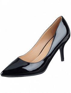 Escarpins vernis, noir Kitten Heels, Shoes, Fashion, Moda, Zapatos, Shoes Outlet, Fashion Styles, Shoe, Footwear